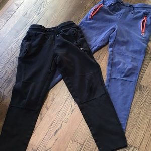 Lot of 2 Gap Fit boys joggers with knee flaws